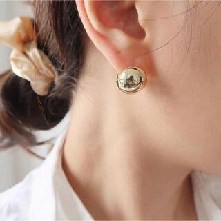 【ゴールド】 オシャレ♪ メタルボール ピアス 両耳用 ころんと可愛い 耳飾り