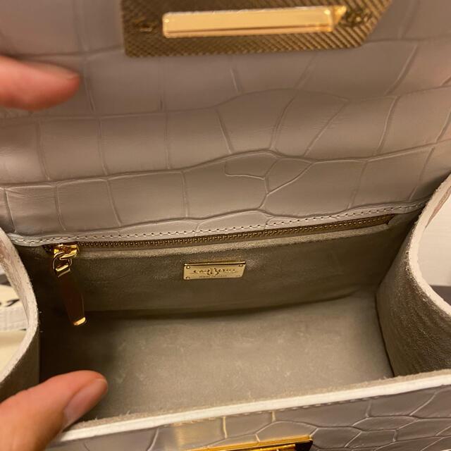 TOMORROWLAND(トゥモローランド)のcarbotti バッグ レディースのバッグ(ハンドバッグ)の商品写真