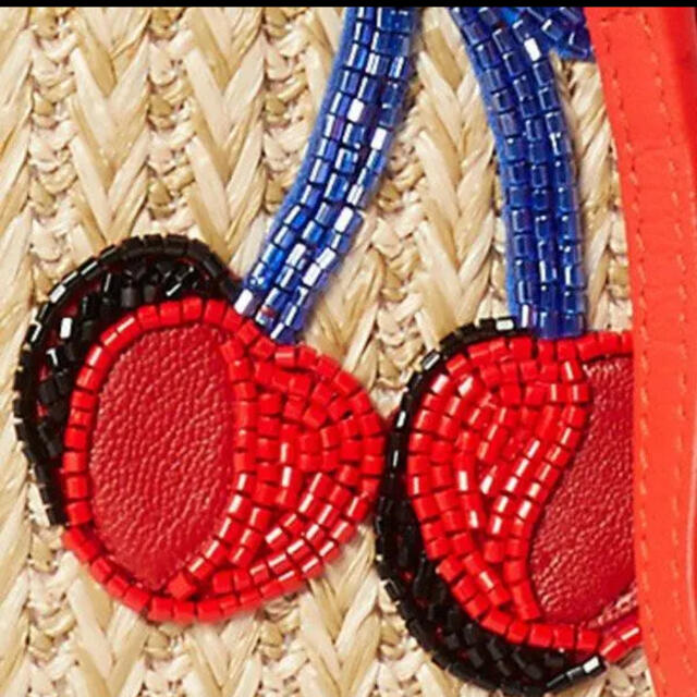 kate spade new york(ケイトスペードニューヨーク)のkate spade サクランボ ラフィア ストロー クロスボディ 新品 レディースのバッグ(ショルダーバッグ)の商品写真