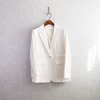 ドゥーズィエムクラス(DEUXIEME CLASSE)の2020 ウィム ガゼット ピークドラペルシングルジャケット オフホワイト F(テーラードジャケット)