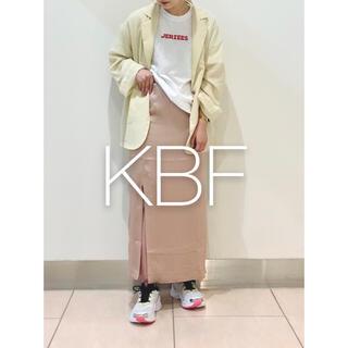 KBF - ✱試着のみ美品✱ KBF シャイニーフロントスリットスカート