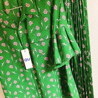 アンダーカバー(UNDERCOVER)のGU UNDERCOVER スカート ブラウス 2点セット(シャツ/ブラウス(半袖/袖なし))
