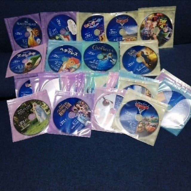 Disney(ディズニー)のまゆたむ様専用出品 Blu-ray不布ケース2点セット コメント欄参照 エンタメ/ホビーのDVD/ブルーレイ(キッズ/ファミリー)の商品写真