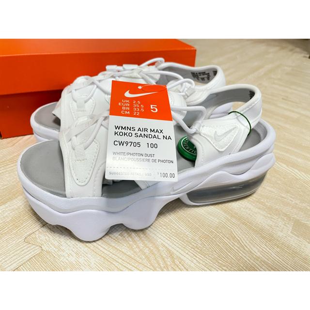 NIKE(ナイキ)のNIKE エアマックスココ レディースの靴/シューズ(サンダル)の商品写真
