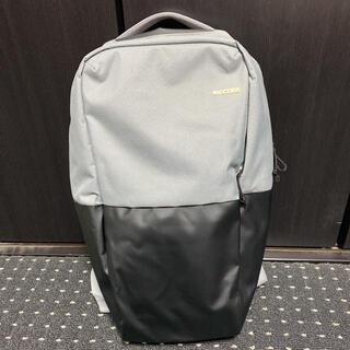 インケース(Incase)のIncase Staple Backpack 黒 グレー リュック バックパック(バッグパック/リュック)