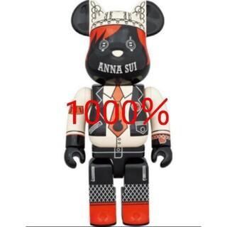 メディコムトイ(MEDICOM TOY)のBE@RBRICK ANNA SUI RED&BEIGE 1000%(キャラクターグッズ)