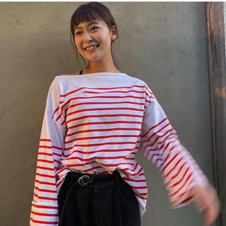 コモリ(COMOLI)のoutil   sosite 別注 赤×白ボーダーシャツ サイズ2  新品未使用(カットソー(長袖/七分))