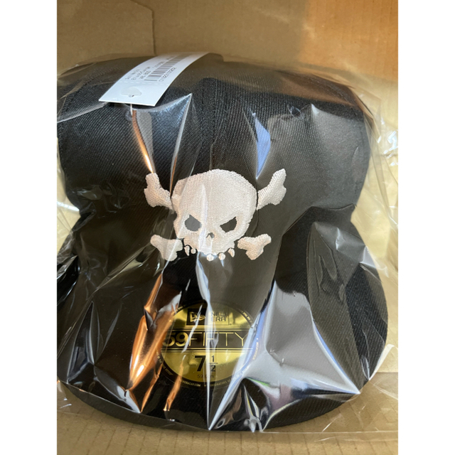 Supreme(シュプリーム)の【新品★送料込み‼️】Skull New Era Black 71/2 最安値 メンズの帽子(キャップ)の商品写真