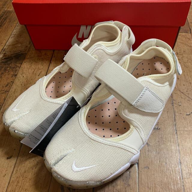 NIKE(ナイキ)の新品 24  NIKE AIR RIFT ナイキ エア リフト アイボリー レディースの靴/シューズ(スニーカー)の商品写真
