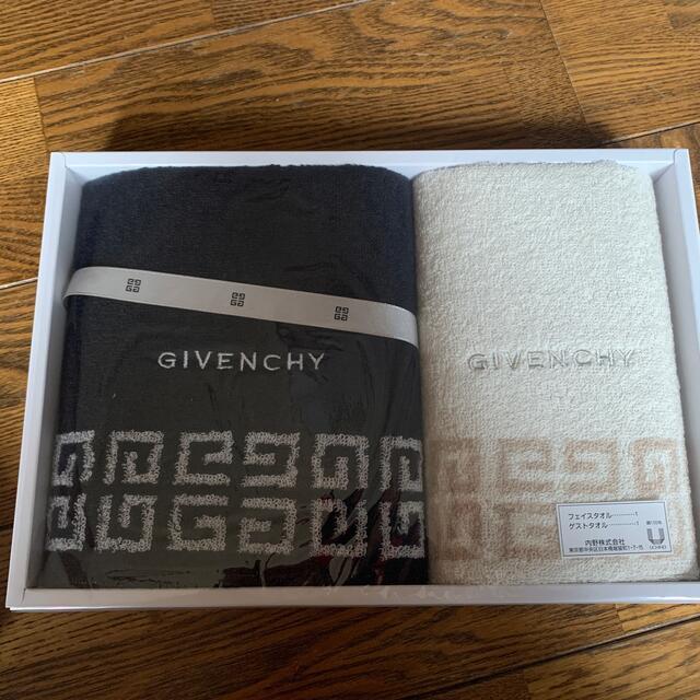 GIVENCHY(ジバンシィ)のGIVENCHYタオルセット インテリア/住まい/日用品の日用品/生活雑貨/旅行(タオル/バス用品)の商品写真