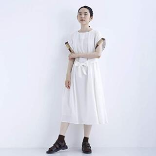 メルロー(merlot)のmerlot 配色袖ラインワンピース オフホワイト(ロングワンピース/マキシワンピース)