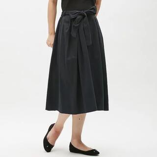 ジーユー(GU)の新品未使用GU ウエストリボンフレアスカートネイビー(ひざ丈スカート)