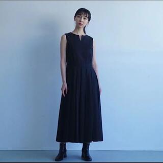ヤエカ(YAECA)のfoufou the dress #12 ノースリーブタックワンピース(ロングワンピース/マキシワンピース)