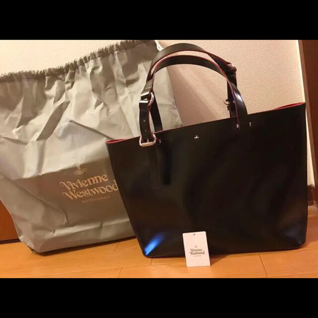 Vivienne Westwood(ヴィヴィアンウエストウッド)の【新品】VivienneWestwood SIMPLE TINY ORB バッグ レディースのバッグ(トートバッグ)の商品写真