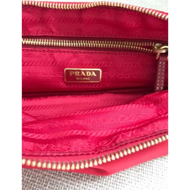 PRADA(プラダ)のPRADA プラダ レッド ポーチ レディースのファッション小物(ポーチ)の商品写真