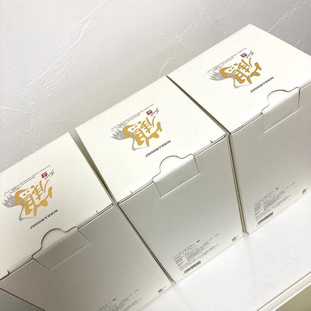 ニッカウヰスキー(ニッカウイスキー)のニッカ鶴 700ml 3本 新品 箱付 食品/飲料/酒の酒(ウイスキー)の商品写真