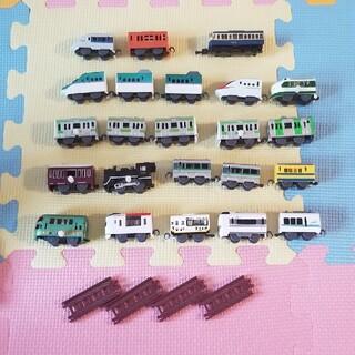 タカラトミーアーツ(T-ARTS)のカプセルプラレール(電車のおもちゃ/車)