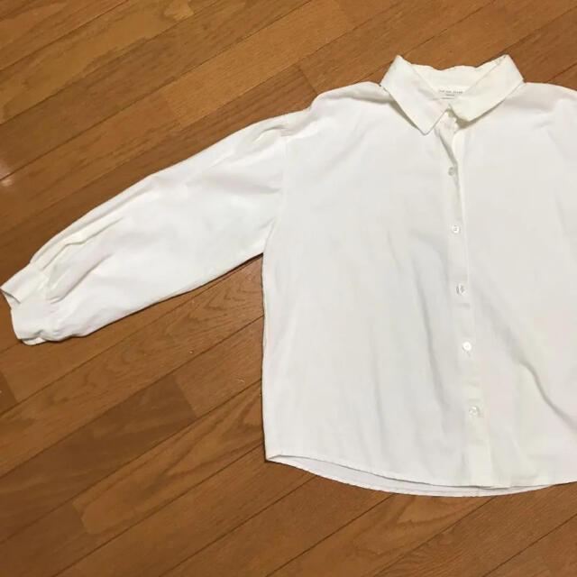 GOGOSING(ゴゴシング)の白ブラウス シャツ レディースのトップス(シャツ/ブラウス(長袖/七分))の商品写真
