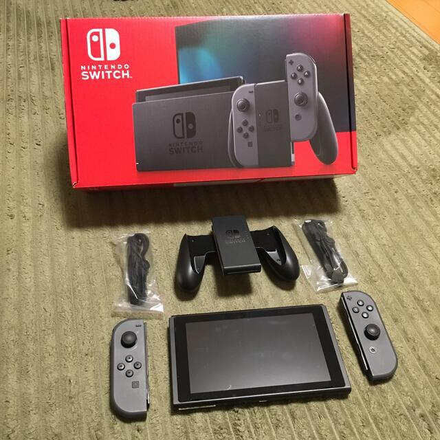 Nintendo Switch(ニンテンドースイッチ)のSwitch 新型 本体 美品 グレー エンタメ/ホビーのゲームソフト/ゲーム機本体(家庭用ゲーム機本体)の商品写真