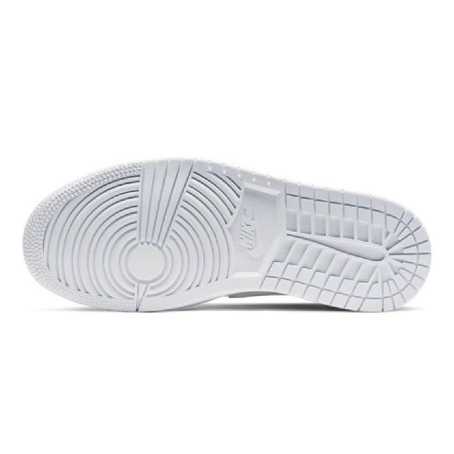 NIKE(ナイキ)のエア ジョーダン 1 MID BQ6472-110 23.5cm レディースの靴/シューズ(スニーカー)の商品写真