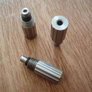 エステーデュポン(S.T. Dupont)のデュポンライター用ガスアダプタ/赤/ライン1L(タバコグッズ)