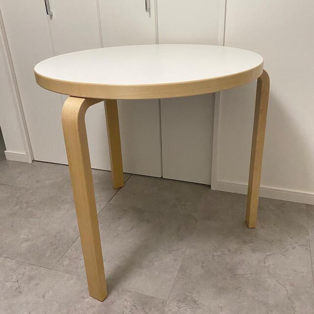 ACTUS(アクタス)のartek アルテック  ラウンドテーブル ホワイトラミネート インテリア/住まい/日用品の机/テーブル(ダイニングテーブル)の商品写真