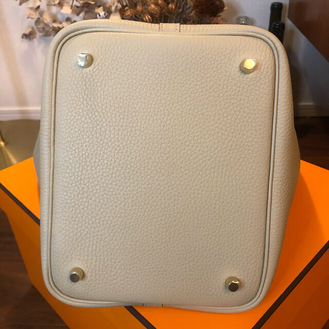 Hermes(エルメス)の◆取り置き中◆復刻色ピコタンロックMM 22cm トレンチ トリヨンクレマンス レディースのバッグ(ハンドバッグ)の商品写真