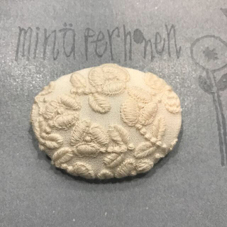 mina perhonen - ミナペルホネン  flower cake ブローチ ハンドメイド
