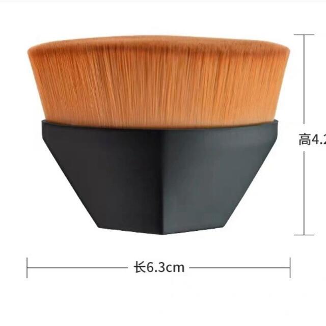 シュウ ウエムラ ペタル 55 ファンデーション ブラシ コスメ/美容のメイク道具/ケアグッズ(ブラシ・チップ)の商品写真