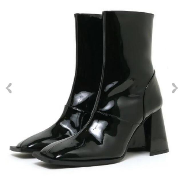 melt the lady エナメルスクエアショートブーツ 38 レディースの靴/シューズ(ブーツ)の商品写真