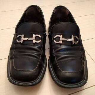 Salvatore Ferragamo - サルバトーレフェラガモ ローファー 革靴 黒 メンズ 25.5cm