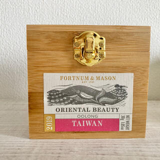 ハロッズ(Harrods)の35%off イギリス⭐︎フォートナムアンドメイソン東方美人ウッドキャニスター(茶)