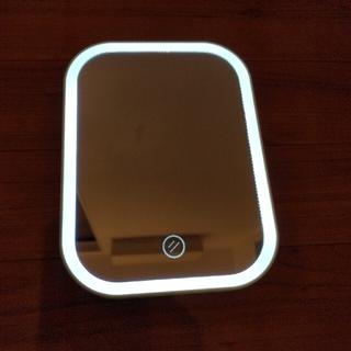 ダイソー 新製品 LED ミラー 女優鏡(卓上ミラー)