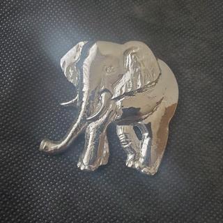 ブローチ 象 ゾウ シルバーカラー 作家