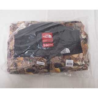 Supreme The North Face Nuptse Jacket