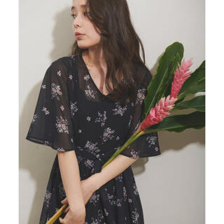 Noela - 【最終価格】ノエラ オリジナルペイズリー柄ワンピース