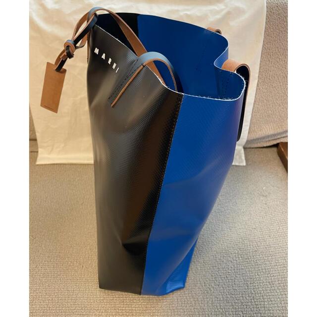 Marni(マルニ)のMARNI  マルニ  PVCショッピングバッグ ブラック&ブルー メンズのバッグ(トートバッグ)の商品写真