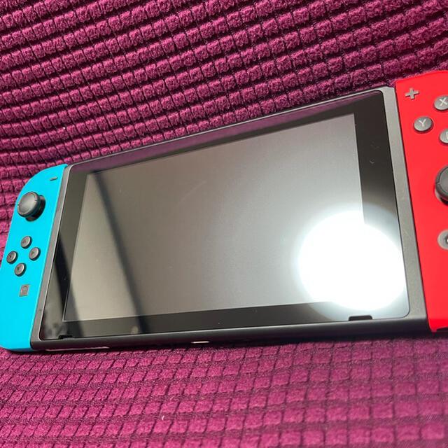 Nintendo Switch(ニンテンドースイッチ)のNintendo Switch 本体 新型 拡張版 中古 エンタメ/ホビーのゲームソフト/ゲーム機本体(家庭用ゲーム機本体)の商品写真