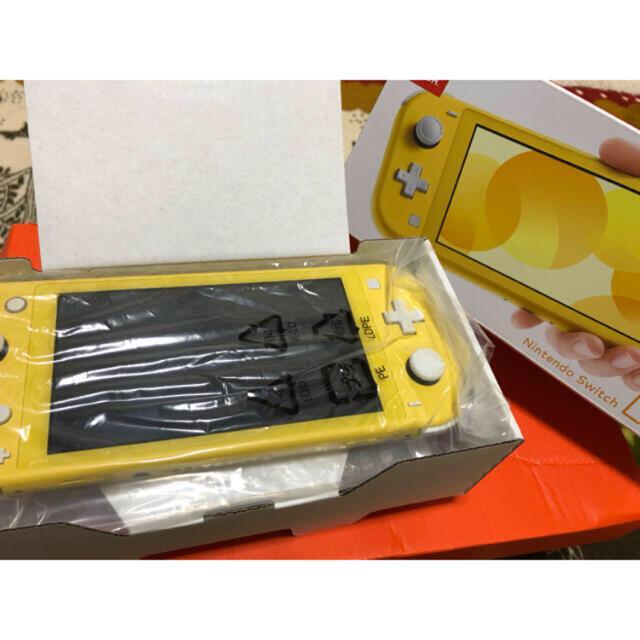 Nintendo Switch(ニンテンドースイッチ)のNintendo Switch Lite イエロー2〜3ヶ月使用 エンタメ/ホビーのゲームソフト/ゲーム機本体(家庭用ゲーム機本体)の商品写真