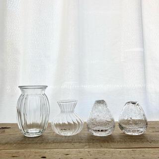 ガラス小瓶4本セット 一輪挿し 小さい花瓶 ミニボトル レトロ、シャビー雑貨
