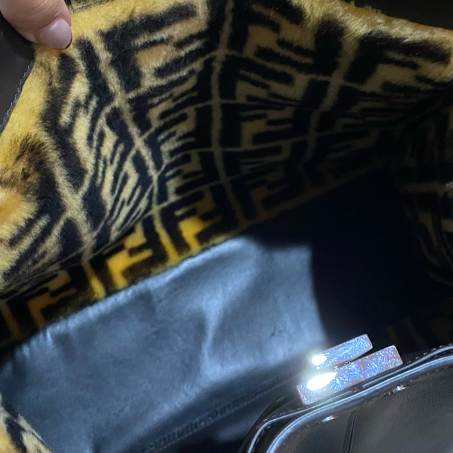 FENDI(フェンディ)の本日限定 FENDI エックスライト ピーカブー レディースのバッグ(ハンドバッグ)の商品写真