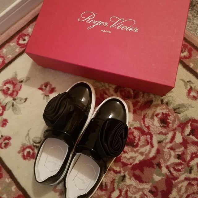 ROGER VIVIER(ロジェヴィヴィエ)のroger vivierシューズ レディースの靴/シューズ(スニーカー)の商品写真