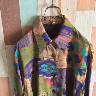 アートヴィンテージ(ART VINTAGE)のvintage 90s 古着 デザインシャツ 総柄 アート ビスコース (シャツ)