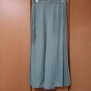 ジーユー(GU)の水玉柄パンツ(キュロット)