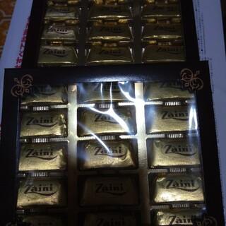 ザイーニジャンディオッティチョコレート2箱です。