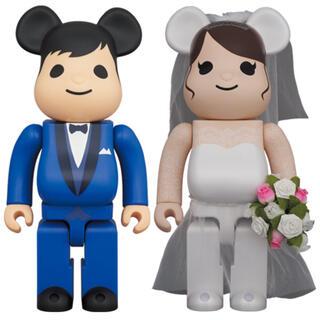 メディコムトイ(MEDICOM TOY)の新品 送料無料 BE@RBRICK グリーティング結婚 4 PLUS 400%(その他)