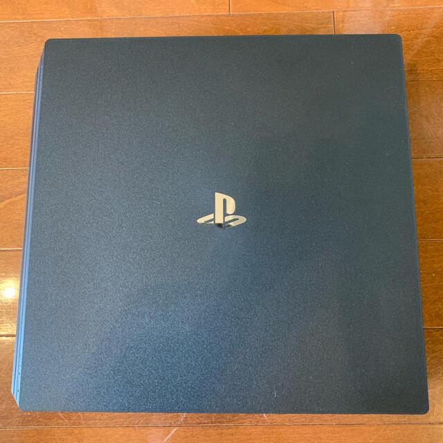 PlayStation4(プレイステーション4)のSONY PlayStation4 Pro 本体 CUH-7200BB01 エンタメ/ホビーのゲームソフト/ゲーム機本体(家庭用ゲーム機本体)の商品写真