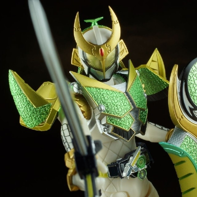 BANDAI(バンダイ)のshフィギュアーツ 仮面ライダー斬月 エンタメ/ホビーのフィギュア(特撮)の商品写真