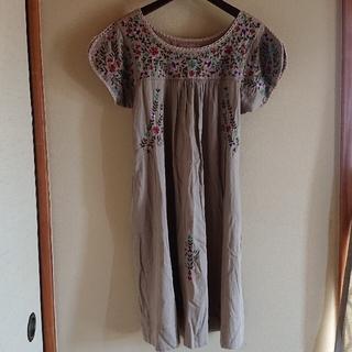 ハグオーワー(Hug O War)のフォークロア刺繍ドレス(ひざ丈ワンピース)