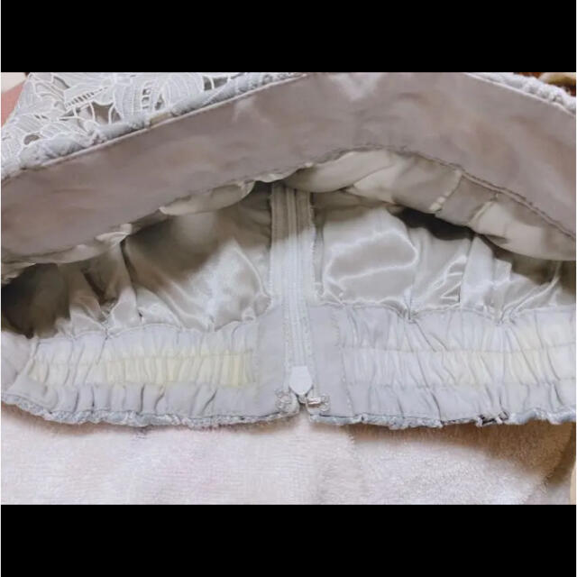 Apuweiser-riche(アプワイザーリッシェ)のアプワイザーリッシェ 配色大花レースタイトスカート レディースのスカート(ひざ丈スカート)の商品写真
